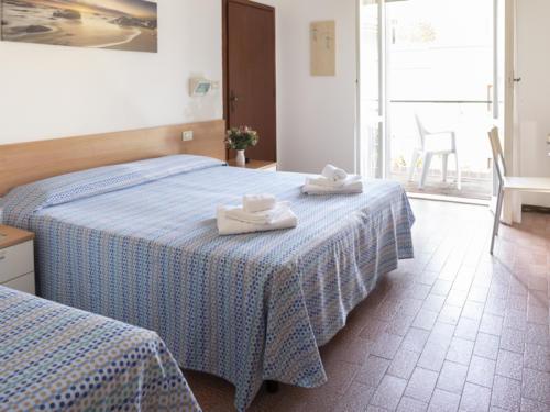 Hotel Mara - Hotel economici a Rimini sul mare - camera tripla - 02