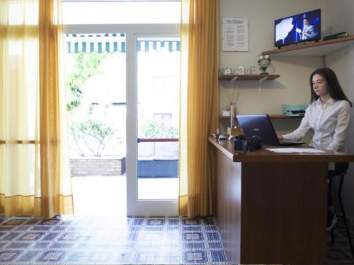 Hotel Mara - Hotel economici a Rimini sul mare - direzione