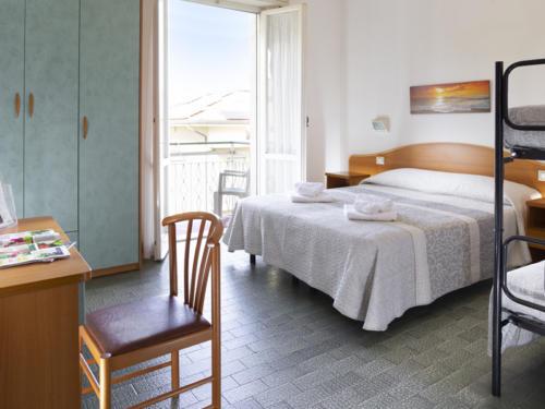 Hotel Mara - Hotel economici a Rimini sul mare - vicino alle discoteche